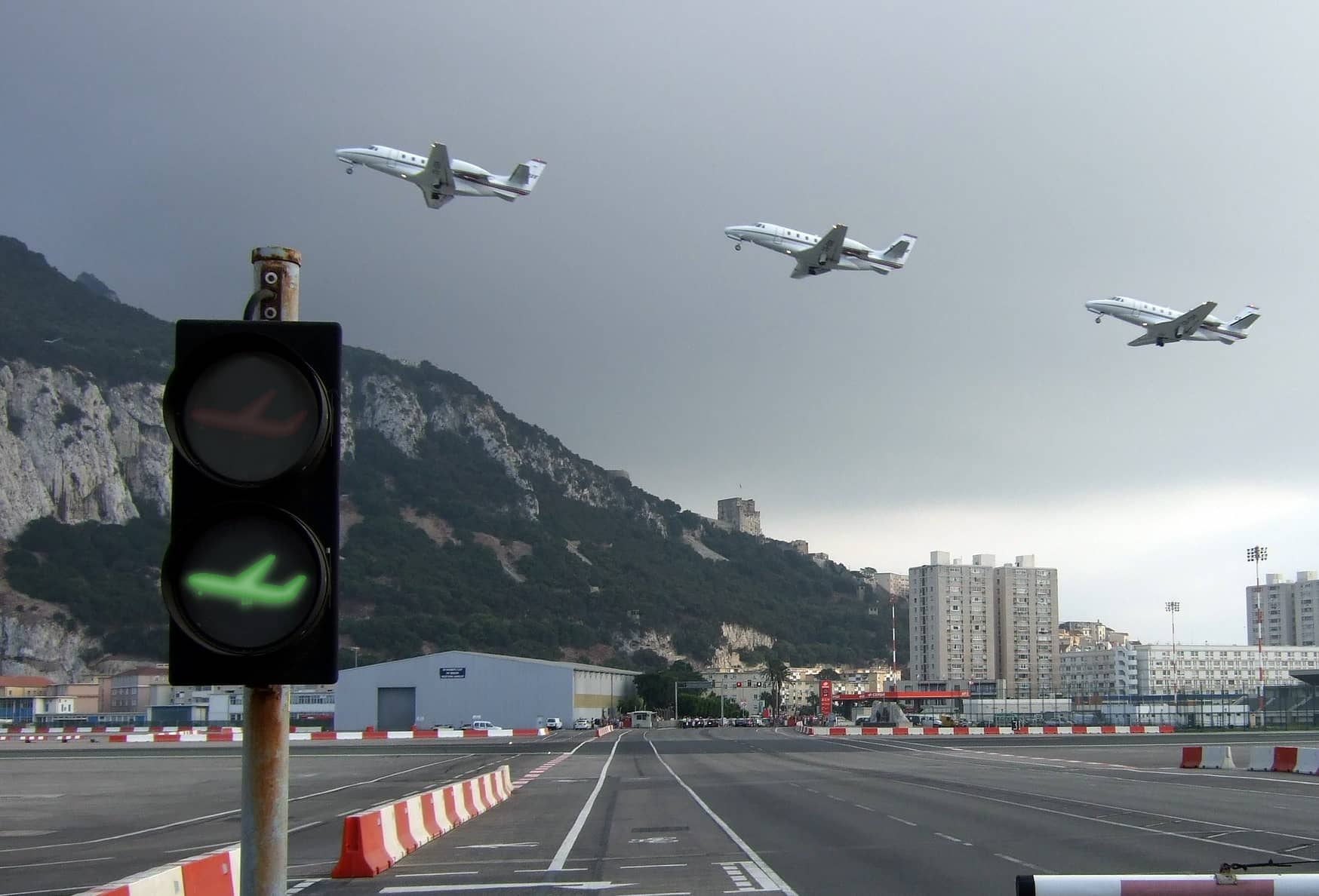 Is the Traffic Light System Really Giving Air Travel the Green Light?